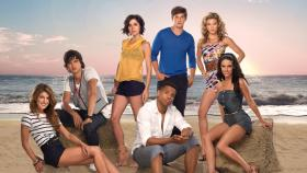 90210 - (3. Staffel) - Müssen sich mit normalen Teenagerproblemen herumschlagen: (hinten v.l.n.r.) Navid Shirazi (Michael Steger), Erin Silver (Jessica Stroup), Liam Court (Matt Lanter), Naomi Clark (AnnaLynne McCord) (vorne v.l.n.r.) Annie Wilson (Shenae Grimes), Dixon Wilson (Tristan Wilds) und Adrianna Tate-Duncan (Jessica Lowndes) © 2009 The CW Network, LLC. All rights reserved.
