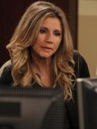 Mad Love - Wird auf die Probe gestellt, denn Ben bearbeitet mit seiner Ex-Freundin Erin gemeinsam einen Fall - Nachtschichten inklusive: Kate (Sarah Chalke) ... © CPT Holdings, Inc. All Rights Reserved.