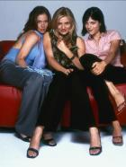 Super süß und super sexy - Genießen völlig unverbindlich Abend für Abend das Nachtleben von San Francisco: (v.l.n.r.) Courtney (Christina Applegate), Christina (Cameron Diaz) und Jane (Selma Blair) ... © 2003 Sony Pictures Television International