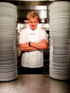 Gordon Ramsay - Er ist streng, ehrlich und direkt: Sternekoch Gordon Ramsay als schonungsloser Helfer in der Not! © George Holz Fox Broadcasting.  All rights reserved.
