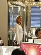 Melrose Place - Sieht ganz nach einem Triumphzug aus - hoffentlich ist sich Ella (Katie Cassidy) da nicht zu selbstsicher... © 2009 The CW Network, LLC. All rights reserved.