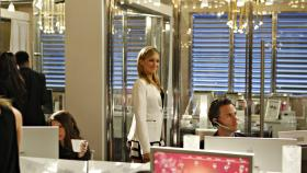 Sieht ganz nach einem Triumphzug aus - hoffentlich ist sich Ella (Katie Cassidy) da nicht zu selbstsicher... © 2009 The CW Network, LLC. All rights reserved.