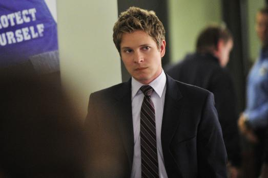 Good Wife - Wird sein Plan aufgehen? Cary (Matt Czuchry)  2010 CBS Broadcasting Inc. All Rights Reserved.