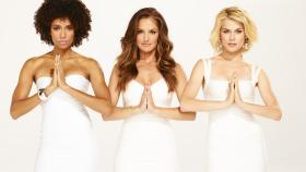 Charlie's Angels - (1. Staffel) - Im Auftrag des geheimnisvollen Charlie gehen Kate Prince (Annie Ilonzeh, l.), Eve French (Minka Kelly, M.) und Abby Sampson (Rachael Taylor, r.) auf Verbrecherjagd ... © 2011 Sony Pictures Television Inc.  All Rights Reserved.