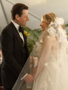 Ringer - Traum oder Wirklichkeit: Andrew (Ioan Gruffudd, l.) und Bridget (Sarah Michelle Gellar, r.) erneuern ihr Eheversprechen ... © 2011 THE CW NETWORK, LLC. ALL RIGHTS RESERVED